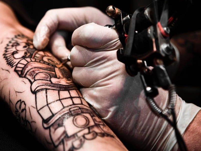 curación y cuidados de tatuajes