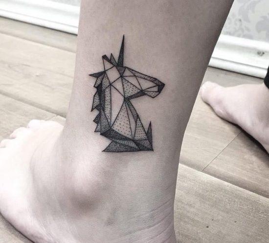 tatuaje-geometrico-unicornio