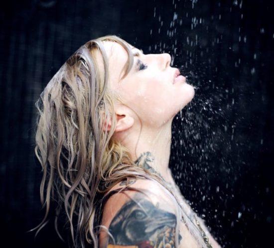 tatuaje-agua-ducha